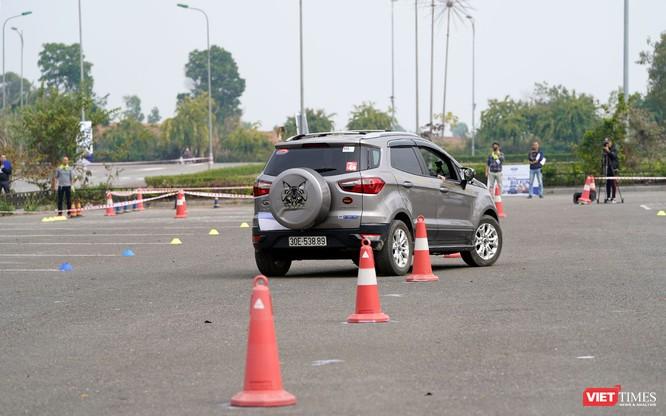 """Khi """"chuyên gia đường phố"""" Ford EcoSport thách thức cả địa hình offroad ảnh 3"""
