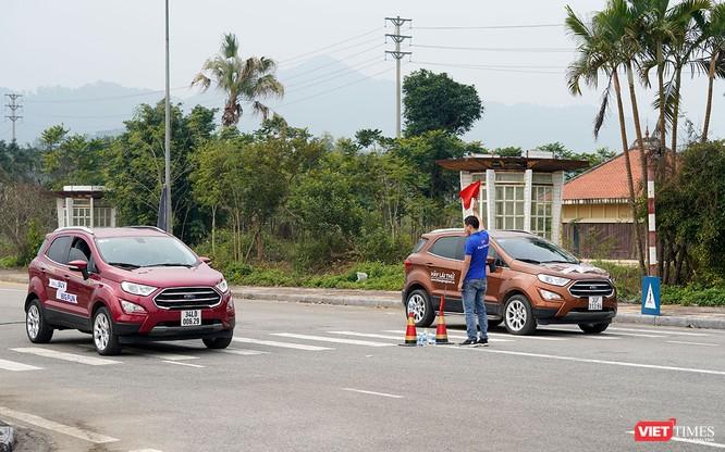 """Khi """"chuyên gia đường phố"""" Ford EcoSport thách thức cả địa hình offroad ảnh 6"""