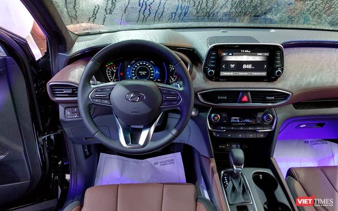 Yết giá 995 triệu đồng, Hyundai Santa Fe 2019 tiêu chuẩn được trang bị những gì? ảnh 4
