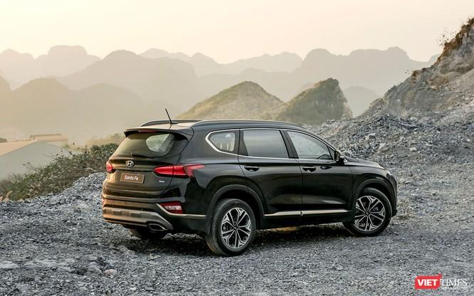 Yết giá 995 triệu đồng, Hyundai Santa Fe 2019 tiêu chuẩn được trang bị những gì? ảnh 3