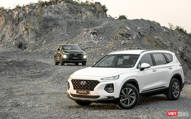 Yết giá 995 triệu đồng, Hyundai Santa Fe 2019 tiêu chuẩn được trang bị những gì? ảnh 1