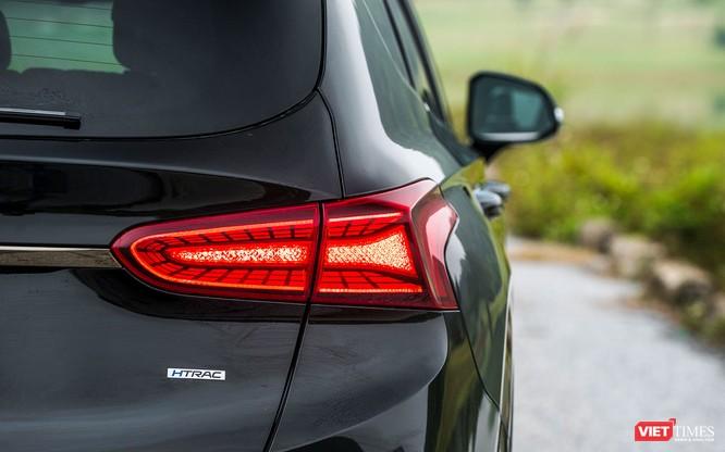 Yết giá 995 triệu đồng, Hyundai Santa Fe 2019 tiêu chuẩn được trang bị những gì? ảnh 19