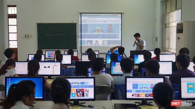 """GS.TS Nguyễn Thanh Thủy: """"FISU sẽ giúp các trường cập nhật nhanh nhất chương trình đào tạo CNTT"""" ảnh 1"""