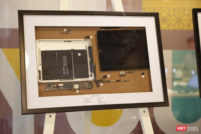 Từ iPhone đời đầu đến iPhone X lần đầu tiên hội tụ trong một triển lãm tại Hà Nội ảnh 9