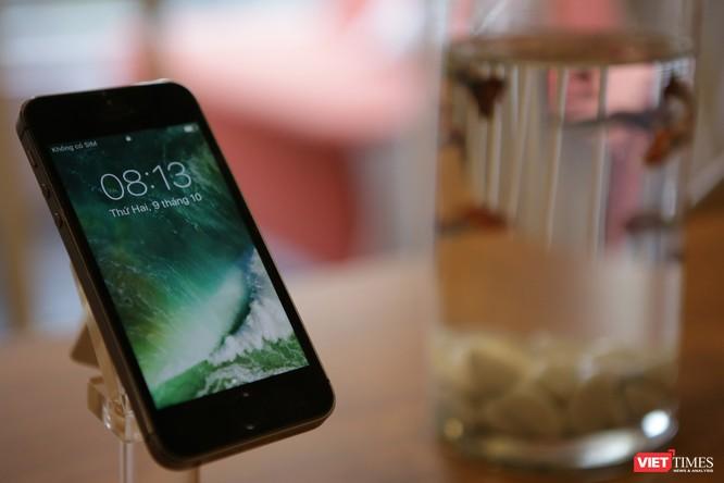 Từ iPhone đời đầu đến iPhone X lần đầu tiên hội tụ trong một triển lãm tại Hà Nội ảnh 10