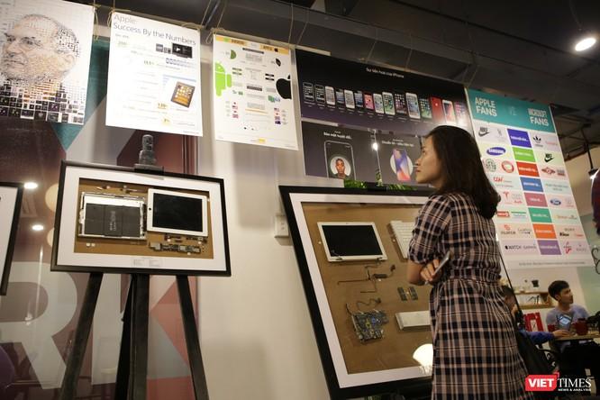 Từ iPhone đời đầu đến iPhone X lần đầu tiên hội tụ trong một triển lãm tại Hà Nội ảnh 3
