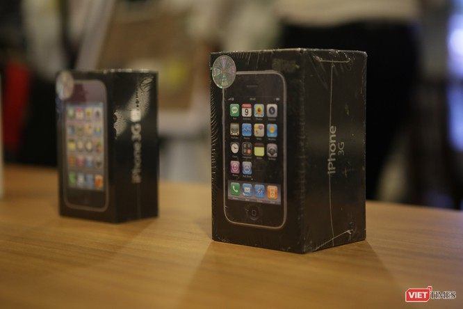 Từ iPhone đời đầu đến iPhone X lần đầu tiên hội tụ trong một triển lãm tại Hà Nội ảnh 5
