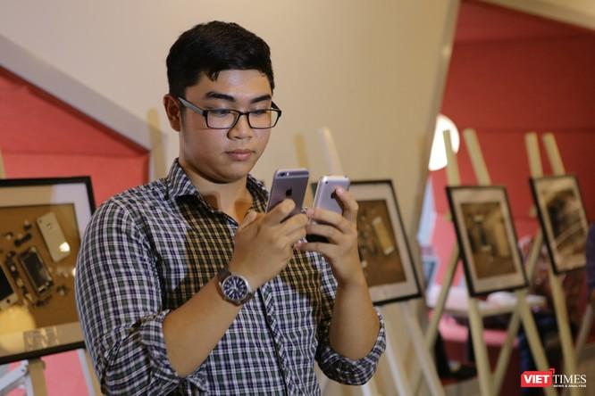 Từ iPhone đời đầu đến iPhone X lần đầu tiên hội tụ trong một triển lãm tại Hà Nội ảnh 6