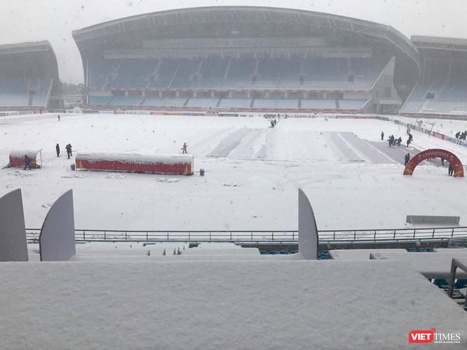 Hình ảnh cập nhật lúc 11h30 từ bên trong sân vận động Thường Châu ảnh 3