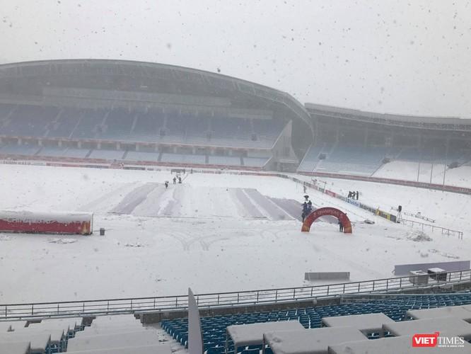 Hình ảnh cập nhật lúc 11h30 từ bên trong sân vận động Thường Châu ảnh 7