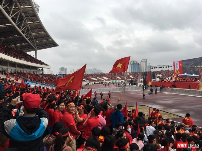 Không khí trận bóng lịch sử của U23 Việt Nam: Chút tiếc nuối phút cuối ảnh 3