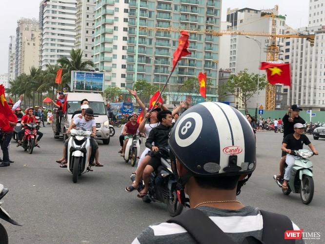 Không khí trận bóng lịch sử của U23 Việt Nam: Chút tiếc nuối phút cuối ảnh 26