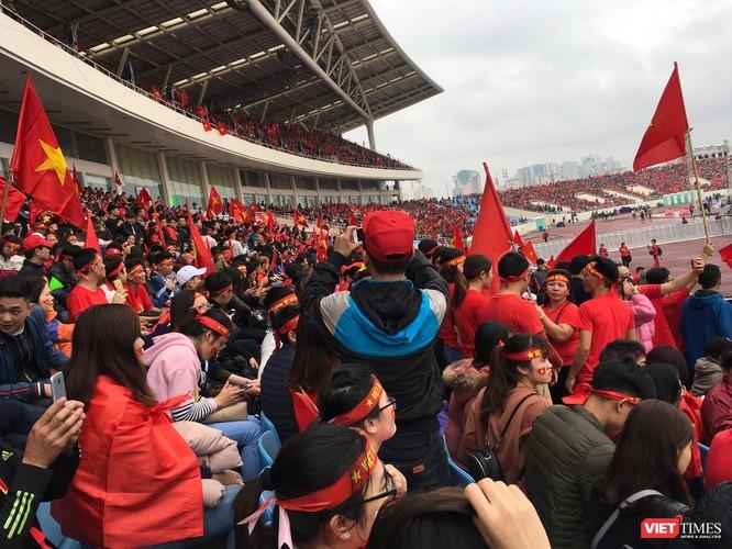 Không khí trận bóng lịch sử của U23 Việt Nam: Chút tiếc nuối phút cuối ảnh 4