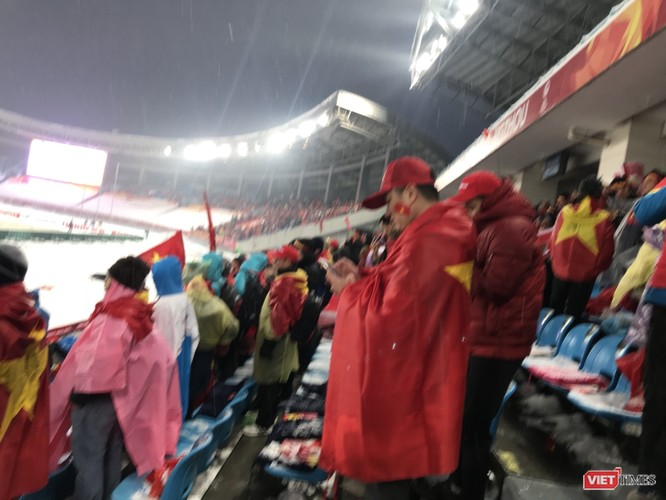 Không khí trận bóng lịch sử của U23 Việt Nam: Chút tiếc nuối phút cuối ảnh 36