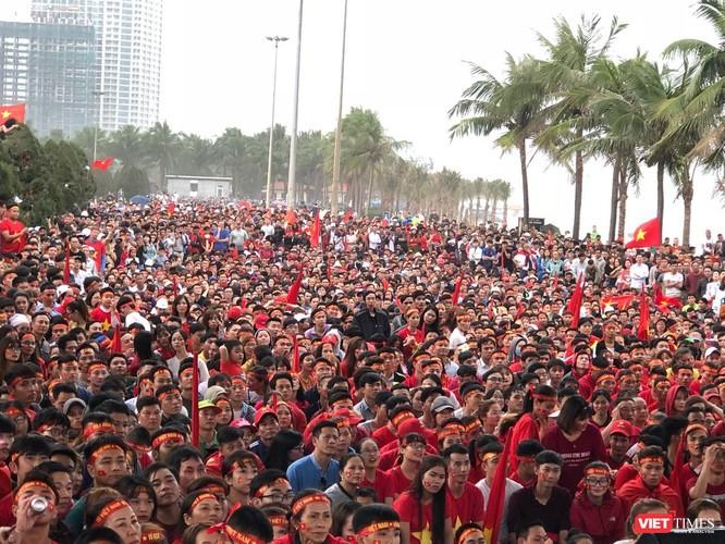 Không khí trận bóng lịch sử của U23 Việt Nam: Chút tiếc nuối phút cuối ảnh 38