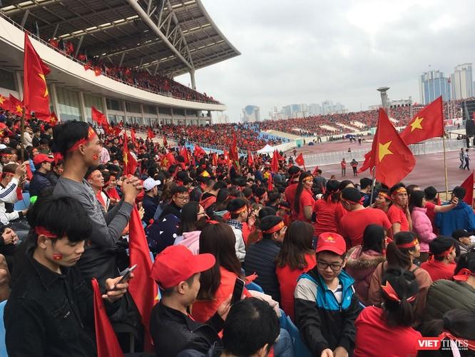 Không khí trận bóng lịch sử của U23 Việt Nam: Chút tiếc nuối phút cuối ảnh 2