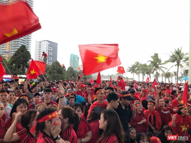 Không khí trận bóng lịch sử của U23 Việt Nam: Chút tiếc nuối phút cuối ảnh 42
