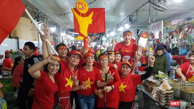 Không khí trận bóng lịch sử của U23 Việt Nam: Chút tiếc nuối phút cuối ảnh 10