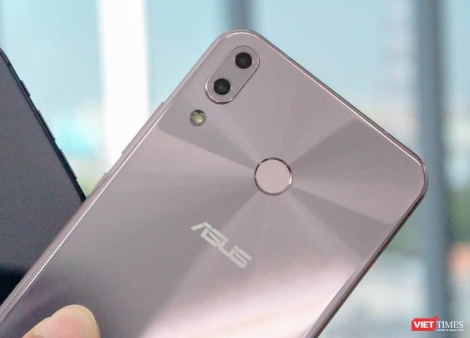 Trên tay Asus ZenFone 5 (2018) tại Việt Nam: đẹp hơn iPhone X! ảnh 10