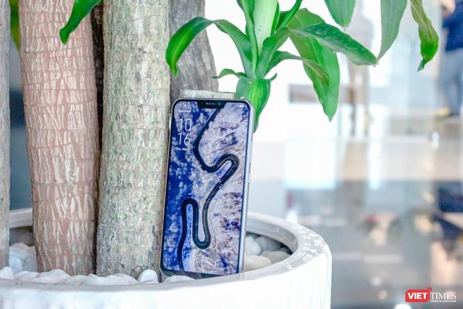 Trên tay Asus ZenFone 5 (2018) tại Việt Nam: đẹp hơn iPhone X! ảnh 1