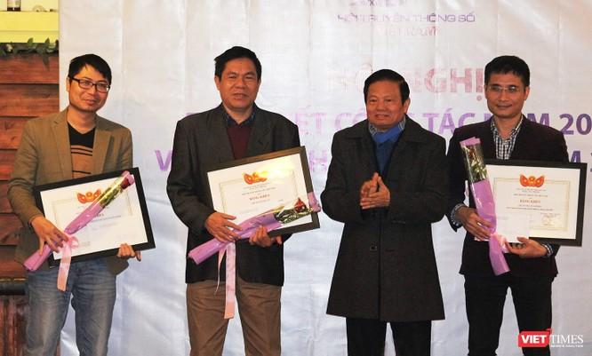 Chủ tịch LienVietPostBank giữ chức Phó Chủ tịch Hội Truyền thông số Việt Nam ảnh 10