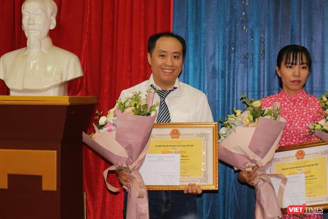 Nhà báo Lê Đăng Khoa (VietTimes) được trao Bằng khen của Liên hiệp các Hội KHKT Việt Nam ảnh 1
