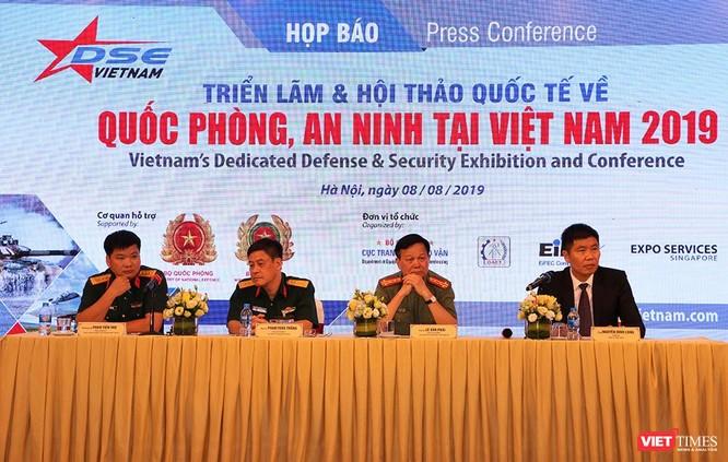 Nhiều vũ khí quân sự và trang thiết bị hiện đại sẽ xuất hiện tại Triển lãm Quốc phòng và An ninh lần đầu tiên được tổ chức tại Việt Nam ảnh 1