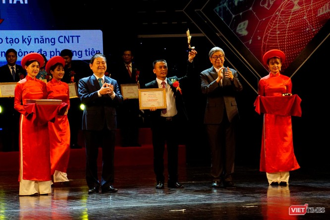 Giải thưởng Chuyển đổi số Việt Nam cổ vũ ứng dụng công nghệ để chuyển đổi số mạnh mẽ ảnh 15