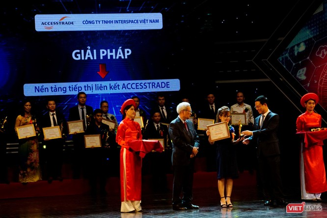 Giải thưởng Chuyển đổi số Việt Nam cổ vũ ứng dụng công nghệ để chuyển đổi số mạnh mẽ ảnh 40