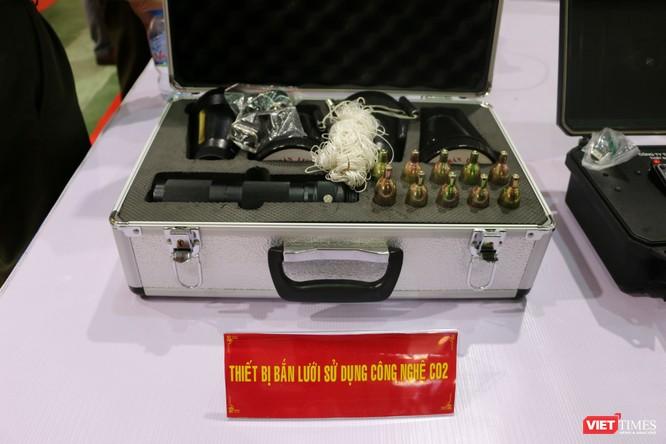Chiêm ngưỡng hàng trăm trang thiết bị quân sự hiện đại xuất hiện tại Triển lãm Quốc tế về Quốc phòng và An ninh Việt Nam 2019 ảnh 23