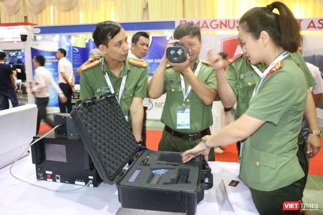 Chiêm ngưỡng hàng trăm trang thiết bị quân sự hiện đại xuất hiện tại Triển lãm Quốc tế về Quốc phòng và An ninh Việt Nam 2019 ảnh 27