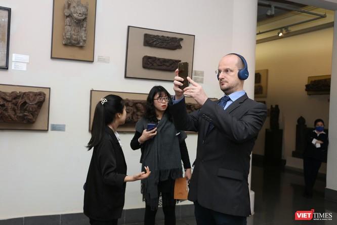 Bảo tàng Mỹ thuật Việt Nam khai mạc triển lãm Mùa xuân Đất nước, trưng bày tác phẩm từ nhiều thế hệ ảnh 9