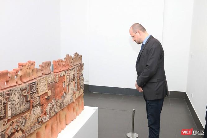 Bảo tàng Mỹ thuật Việt Nam khai mạc triển lãm Mùa xuân Đất nước, trưng bày tác phẩm từ nhiều thế hệ ảnh 5