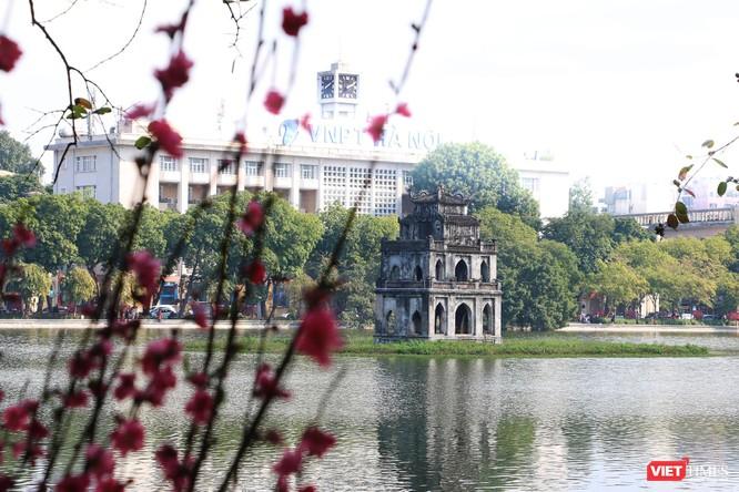 Hình ảnh đền chùa và quán xá Hà Nội chiều mùng 5 Tết ảnh 22
