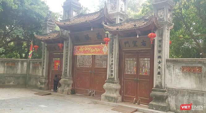 Hình ảnh đền chùa và quán xá Hà Nội chiều mùng 5 Tết ảnh 2