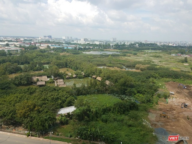 Sacombank: Gian nan bán đất ảnh 1