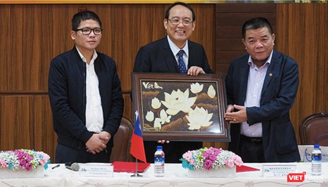Cha con ông Trần Bắc Hà từng đăng tuyển hàng nghìn kỹ sư nông nghiệp cho dự án tại Lào