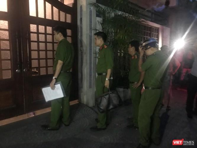 Đang khám nhà ông Đào Tấn Bằng - nguyên Chánh Văn phòng Thành ủy Đà Nẵng ảnh 3