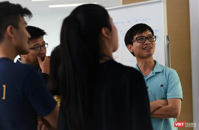 """""""Quái kiệt"""" AI Lê Viết Quốc – người Việt trầm lắng ở Google ảnh 2"""