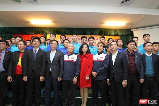 Cam kết đồng hành cùng sức khỏe cầu thủ Việt