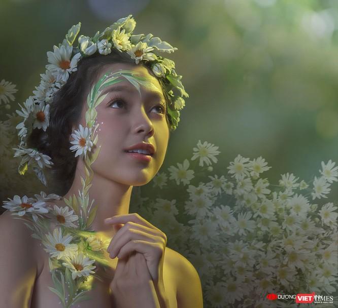 Xuân Văn phô bày vẻ đẹp rực rỡ thanh xuân hút mắt ảnh 4