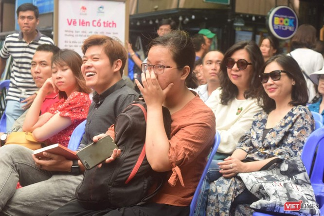 """Đạo diễn Việt Linh: """"Soi gương bằng người"""" để sống tử tế ảnh 7"""