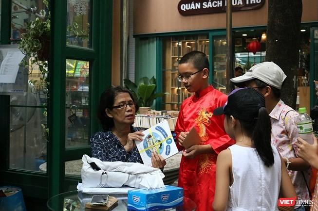 Hội Xuất bản kiến nghị Bộ GD&ĐT quy định giờ đọc sách trong nhà trường ảnh 2