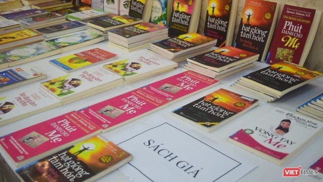 Sách giả, sách lậu đẹp không thua gì sách thật cũng làm khó cho người tiêu dùng sản phẩm văn hóa