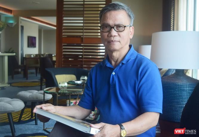 """Tiến sĩ Nguyễn Hữu Liêm – Tự hào là """"Triết gia nhà quê"""" ảnh 3"""