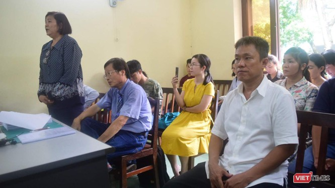 Sau 12 năm, lần đầu tiên bà Phan Thị Mỹ Hạnh xuất hiện tại phiên tòa phúc thẩm