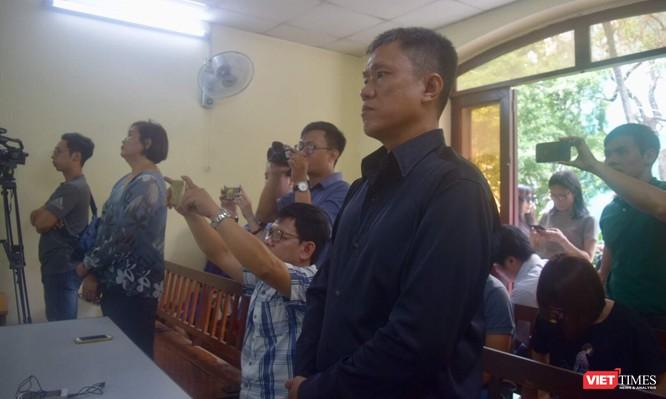 """Giới họa sĩ nức lòng vì Lê Linh thắng kiện bản quyền """"Thần đồng Đất Việt"""" ảnh 1"""