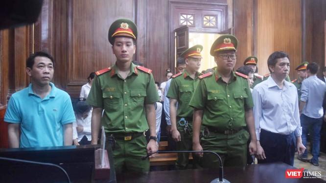 Các bị cáo có mặt tại phiên tòa sáng 30/9