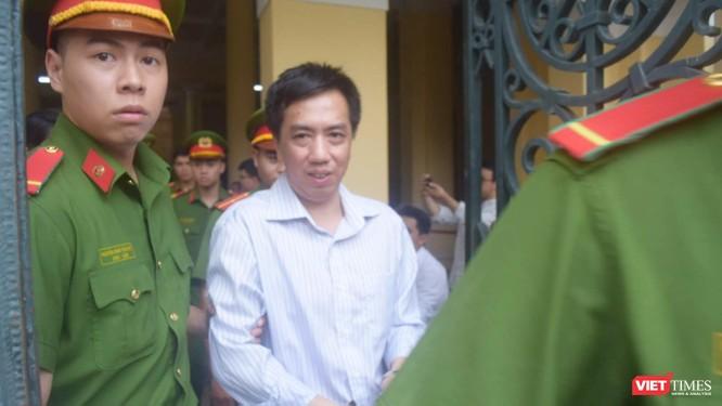 Bị cáo Võ Mạnh Cường về trại tạm giam