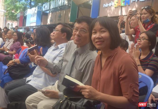 Nhà văn Nguyễn Ngọc Tư và GS Huỳnh Như Phương là hai thành viên BGK cuộc thi